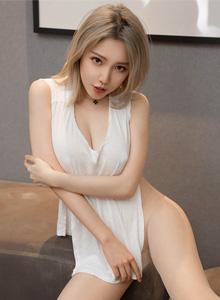 性感御姐黄乐然情趣内衣美腿翘臀丁子裤的诱惑