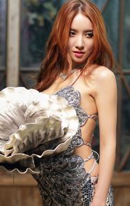 性感韩国美女图片 露背翘臀超迷人