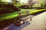 户外安放的长椅图片(10张)