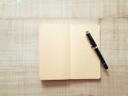 放着笔的笔记本图片(16张)