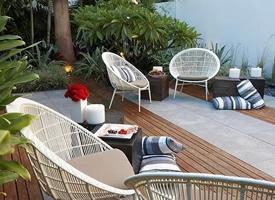 一组室外清新唯美阳台花园装修效果图