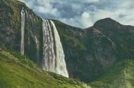 气势磅礴的瀑布图片(15张)
