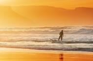 海滩黄昏行走图片(11张)