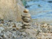 堆在一起的石头图片(11张)
