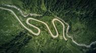 弯曲盘旋的山路图片(13张)