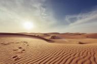 干旱缺水的沙漠图片(12张)