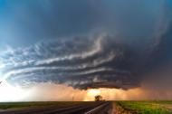 草原上龙卷风图片(6张)