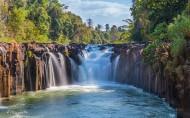 壮观的瀑布风景图片(13张)
