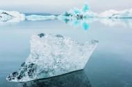 水面的冰川图片(10张)