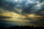 阴云密布的天空图片(7张)