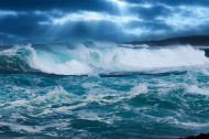 波涛汹涌的大海景色图片(12张)