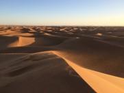 壮阔的沙漠图片(14张)